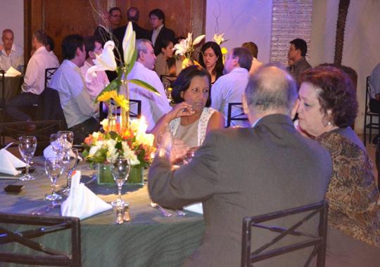 Premiadas e acompanhantes: Nadia Helena Cozzi (Gastronomia Digital), Edgar Tomé, Tatyanne de Morais (Jornal Geral) e Ivaneida de Morais - Jantar de Co