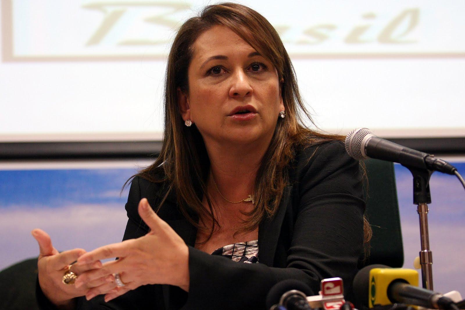 Kátia Abreu defende Dilma e diz que impeachment não pode ser banalizado