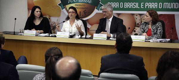 "Kátia Abreu: ""O mundo quer alimentos brasileiros"""