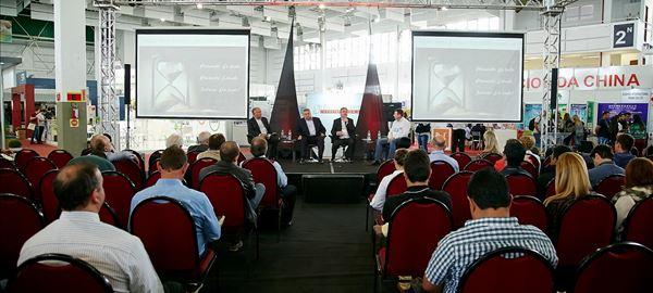 Painel na AveSui debate o panorama da indústria e a sucessão familiar na suinocultura
