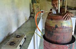 Com esterco de vaca, homem produz biogás e economiza R$ 840 por ano