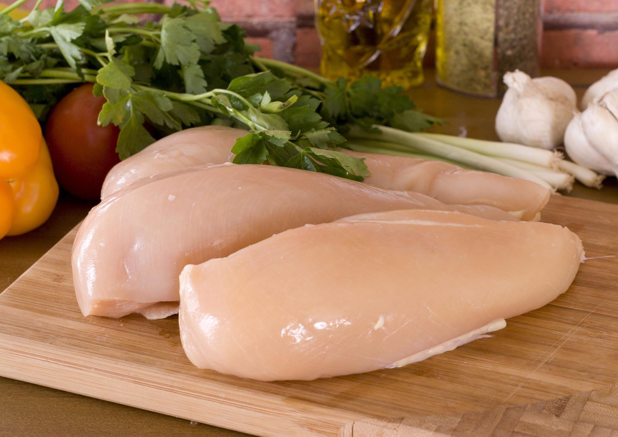 Carne bovina ganha competitividade em relação a carne de frango em maio