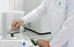 Nutrição animal conta com laboratório próprio de altíssima precisão