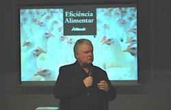 Uso de enzimas é alternativa para reduzir custos de produção da avicultura brasileira