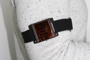 Placa solar sob a pele pode ser a futura 'bateria' de marca-passo
