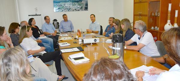 Sebrae/SC, Aurora e cooperativas planejam ações do Projeto Encadeamento Produtivo