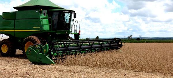 Brasil apresenta queda nas exportações de soja na comparação com março de 2016
