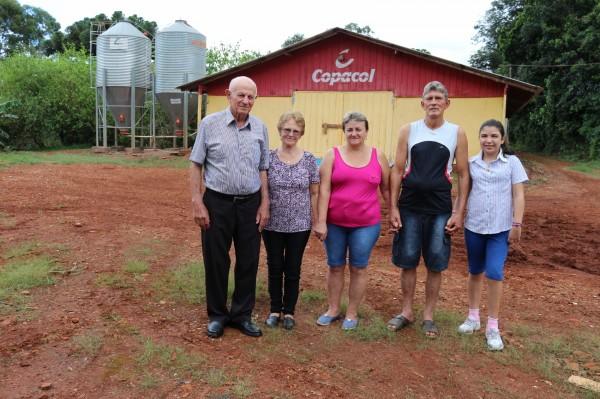 Avicultor de Cafelândia, no Paraná, conquista R$ 1,37 por animal
